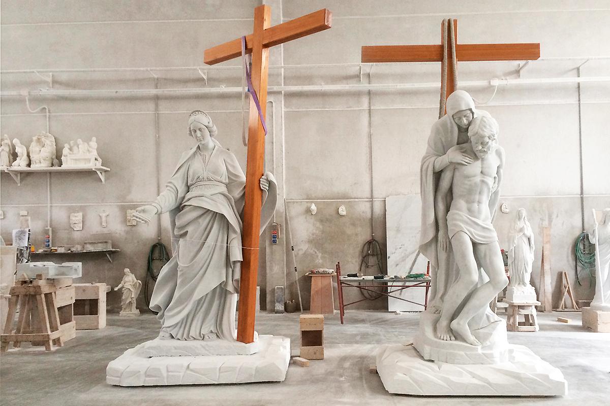Pietà Rondanini & St.Helen Newark, New Jersey, USA, 2014 | Materiale: Bianco Carrara Altezza: 10 Piedi