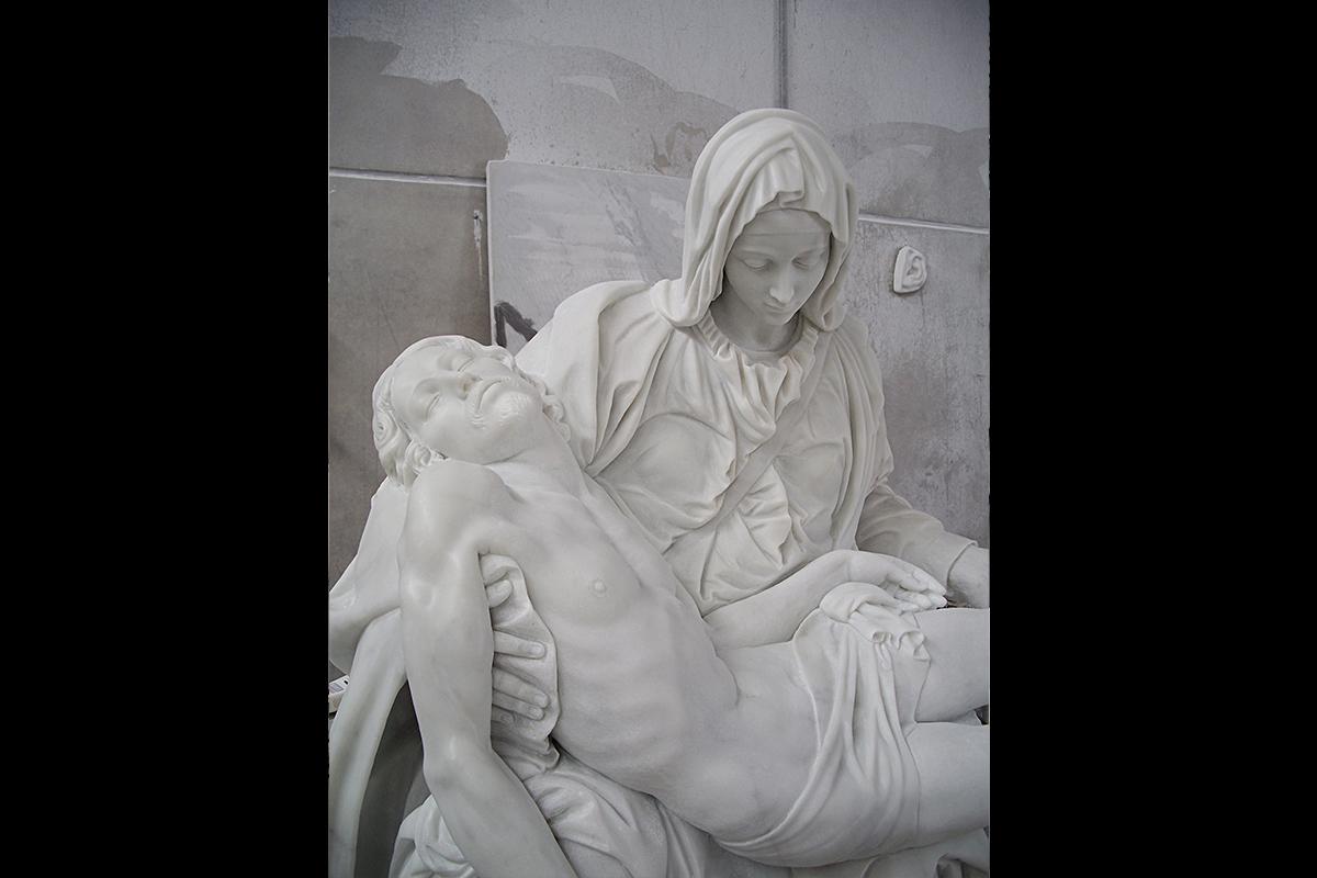 Pietà di Michelangelo Columbus, Ohio, USA, 2005 | Materiale: Bianco Carrara