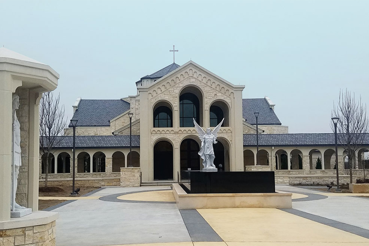 St.Gabriel the Archangel Catholic Church, Mckinney, Texas, 2019 - Statua Arcangelo Gabriele